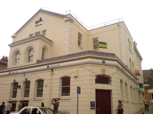 Blackheath Lloyds Bank or Swimming Pool
