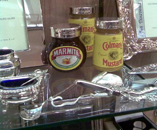 silver marmite lid