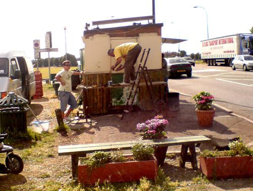 Blackheath Tea Hut gets a lick of paint