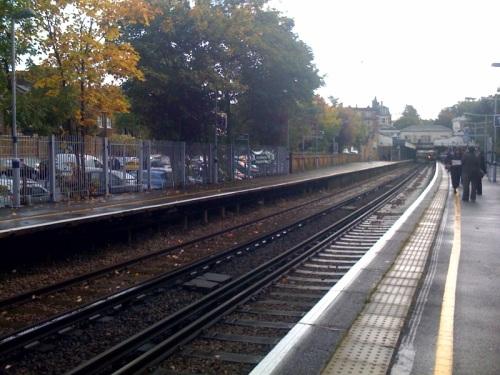 Train pulling in to Blackheath Station