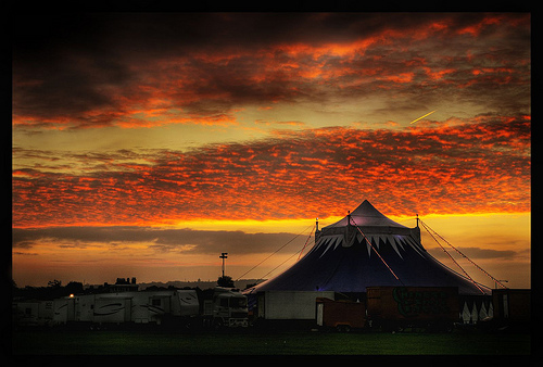 The big top at the circus in Blackheath by Flickr user pic fix