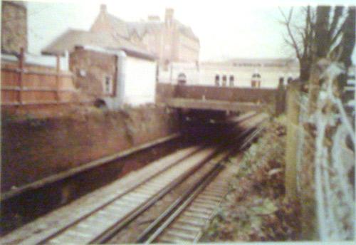 Blackheath Square piazza railway cutting