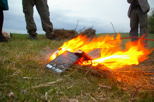 book_burning Photo by flickr user altemark